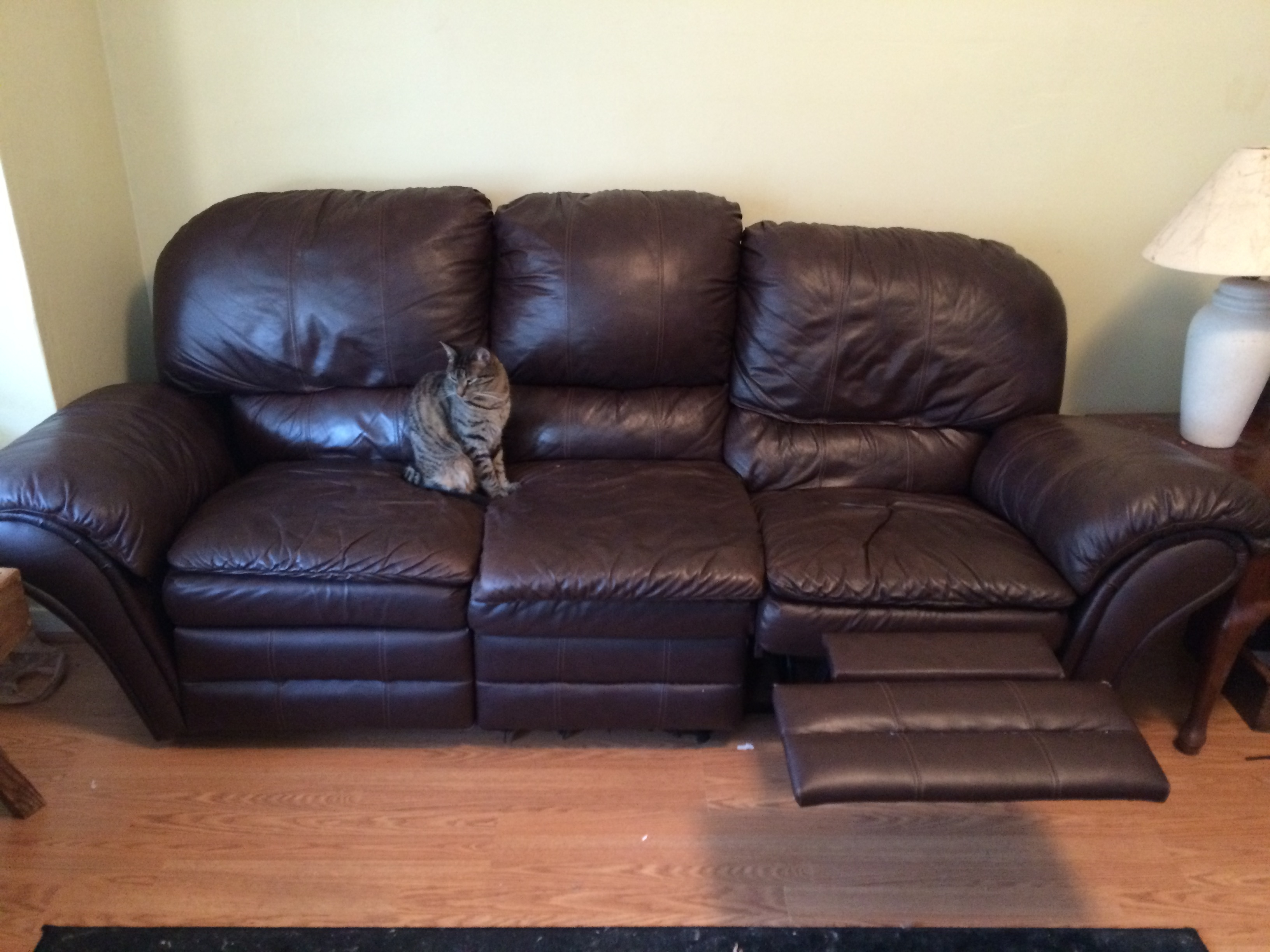 Popular Photo of Craigslist Leather Sofa
