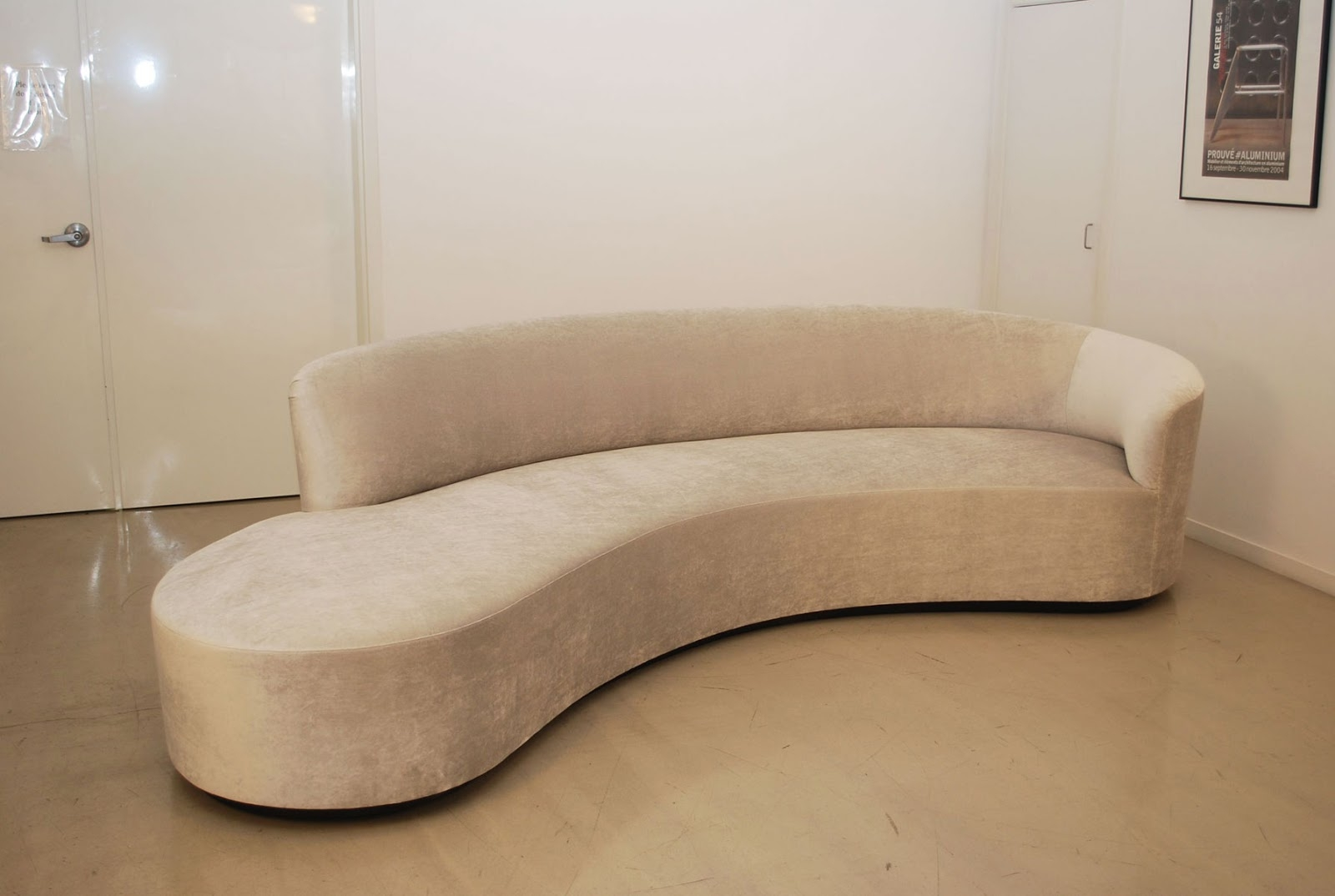 Contemporary Curved Sofa Hereo Sofa Pertaining To Contemporary Curved Sofas (#2 of 12)