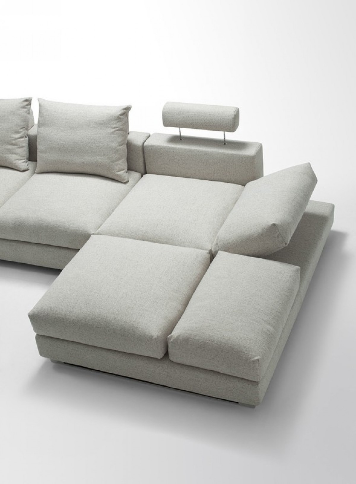 Divani Casa Vasto Modern Fabric Sectional Sofa With Down Feather Intended For Down Feather Sectional Sofa (#6 of 12)