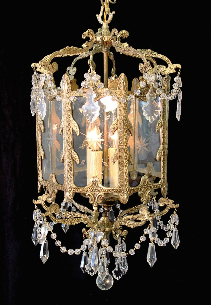 Elegant 15 X 25 Vintage Indoor Brass Lantern Crystal Accents Throughout Indoor Lantern Chandelier (#6 of 12)