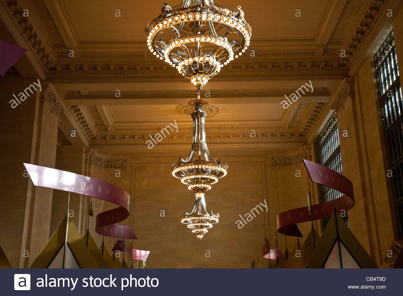 Huge Chandeliers Lightupmyparty Throughout Huge Chandeliers (#9 of 12)
