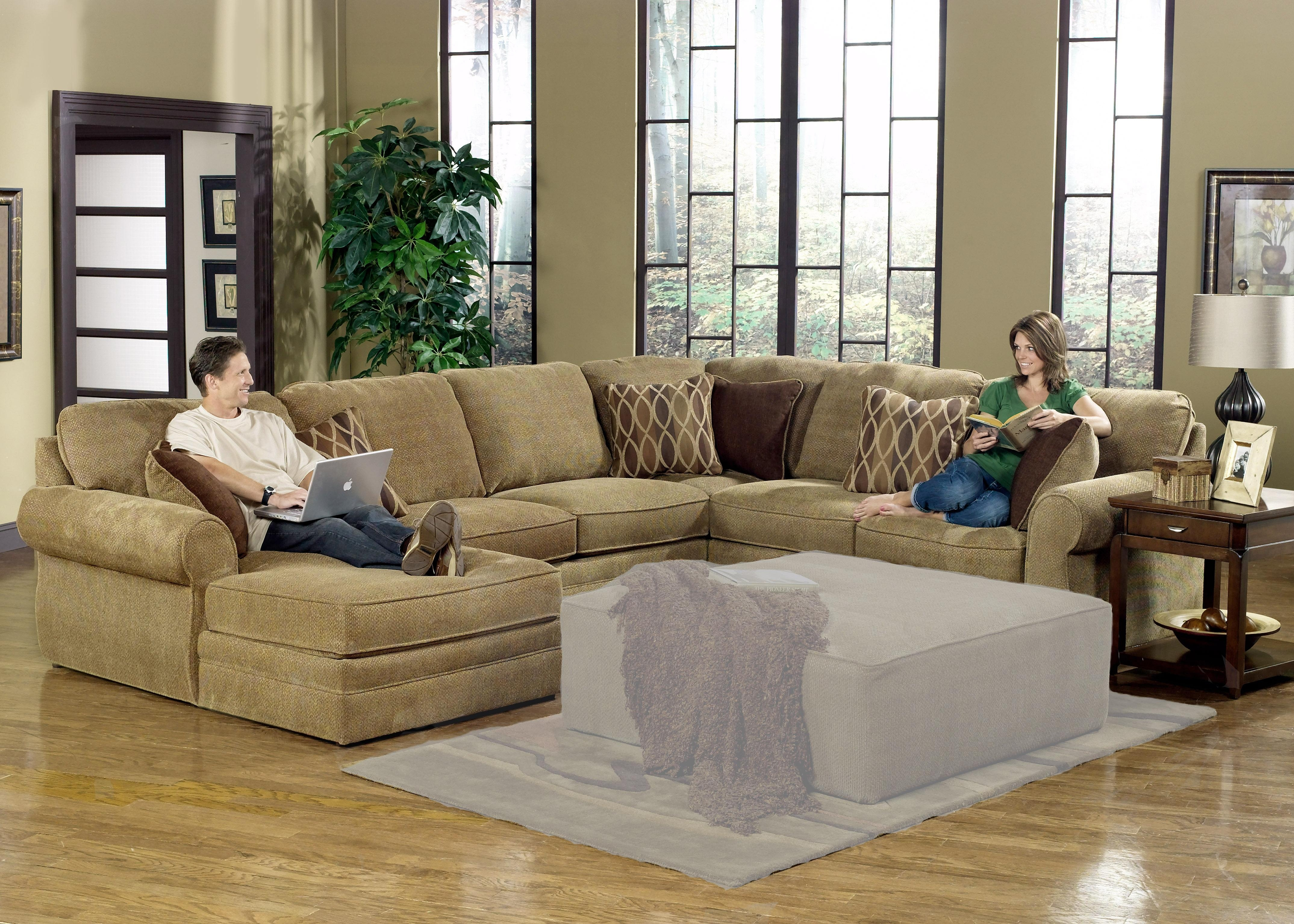 Popular Large Sectional Sofas With Recliners 28 For Bassett Intended For Bassett Sectional Sofa (#9 of 12)