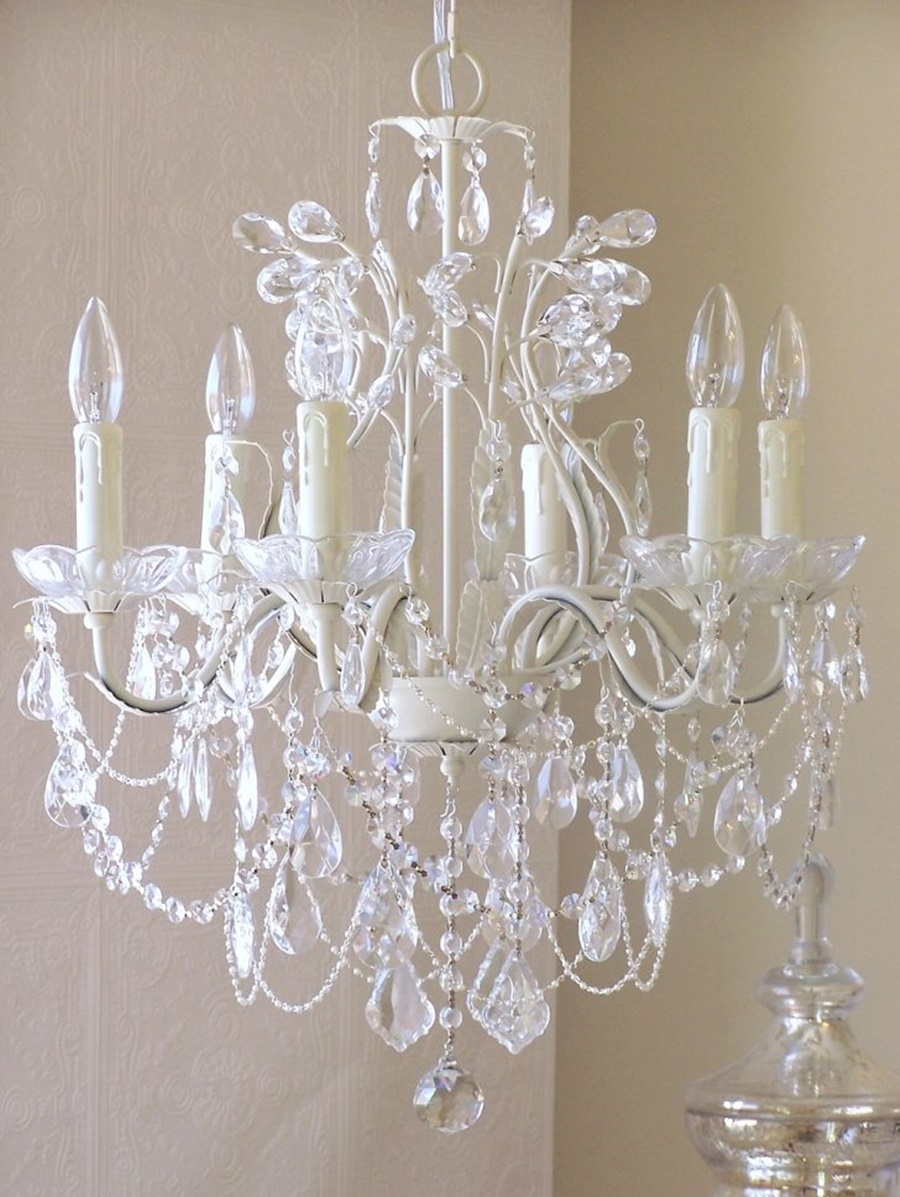Vintage Chandeliers Crystal Give Classy Look Inspiration Home Intended For Vintage Chandeliers (#9 of 12)