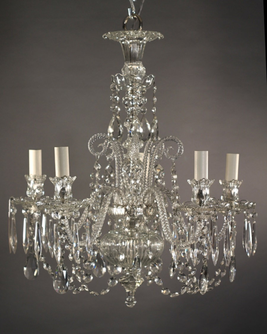 Vintage Chandeliers Crystal Give Classy Look Inspiration Home With Vintage Chandeliers (#10 of 12)