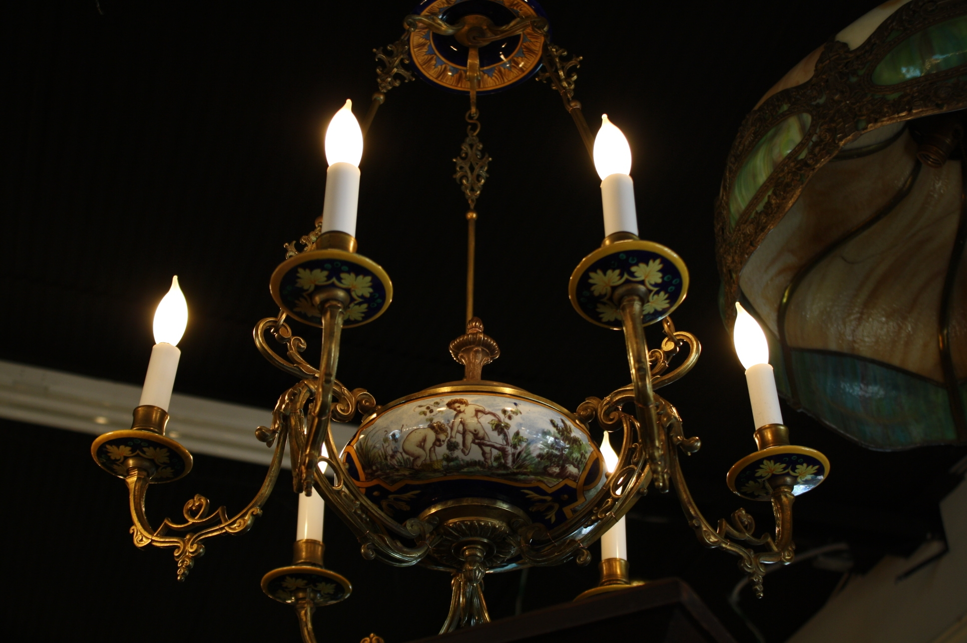 Popular Photo of Antique Looking Chandeliers