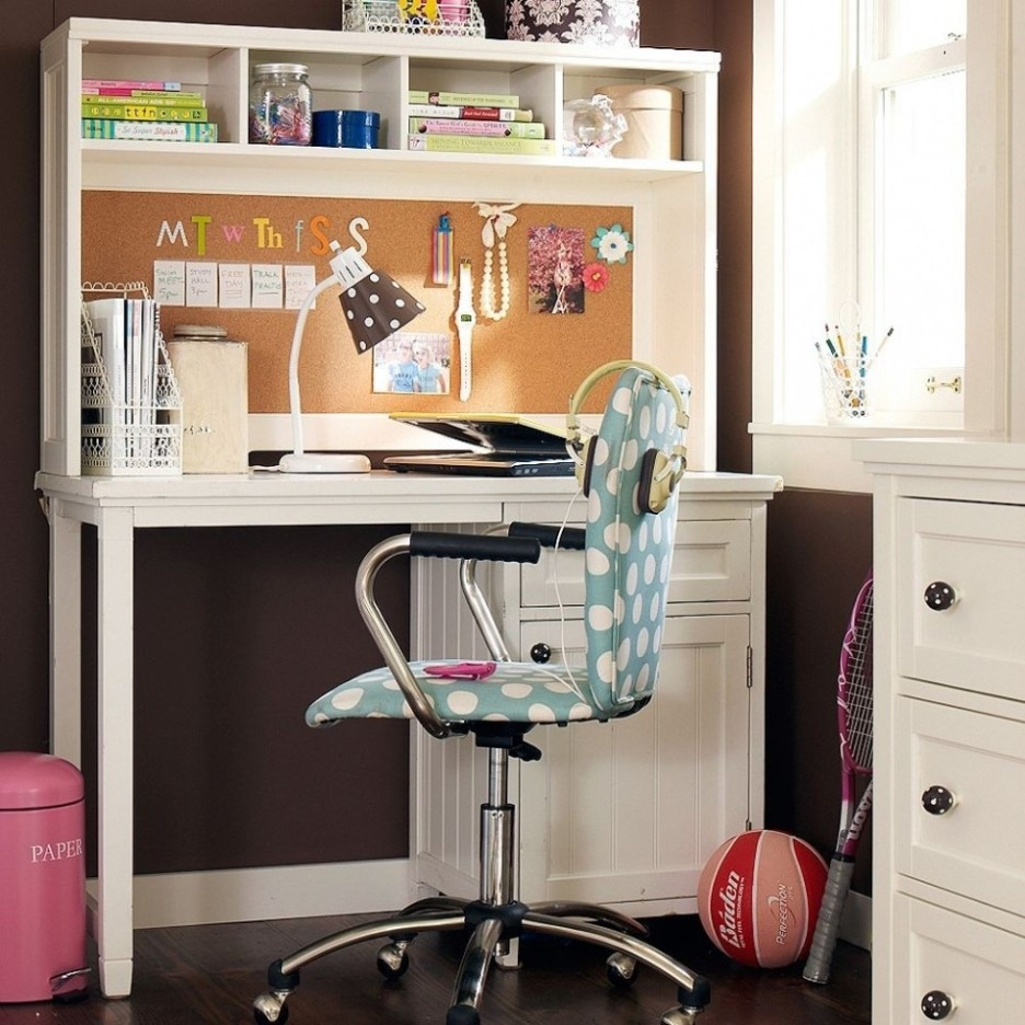 Bedroom Teenage Bedroom Design Using White Corner Study Desk Pertaining To Study Desk With Bookshelf (#2 of 15)