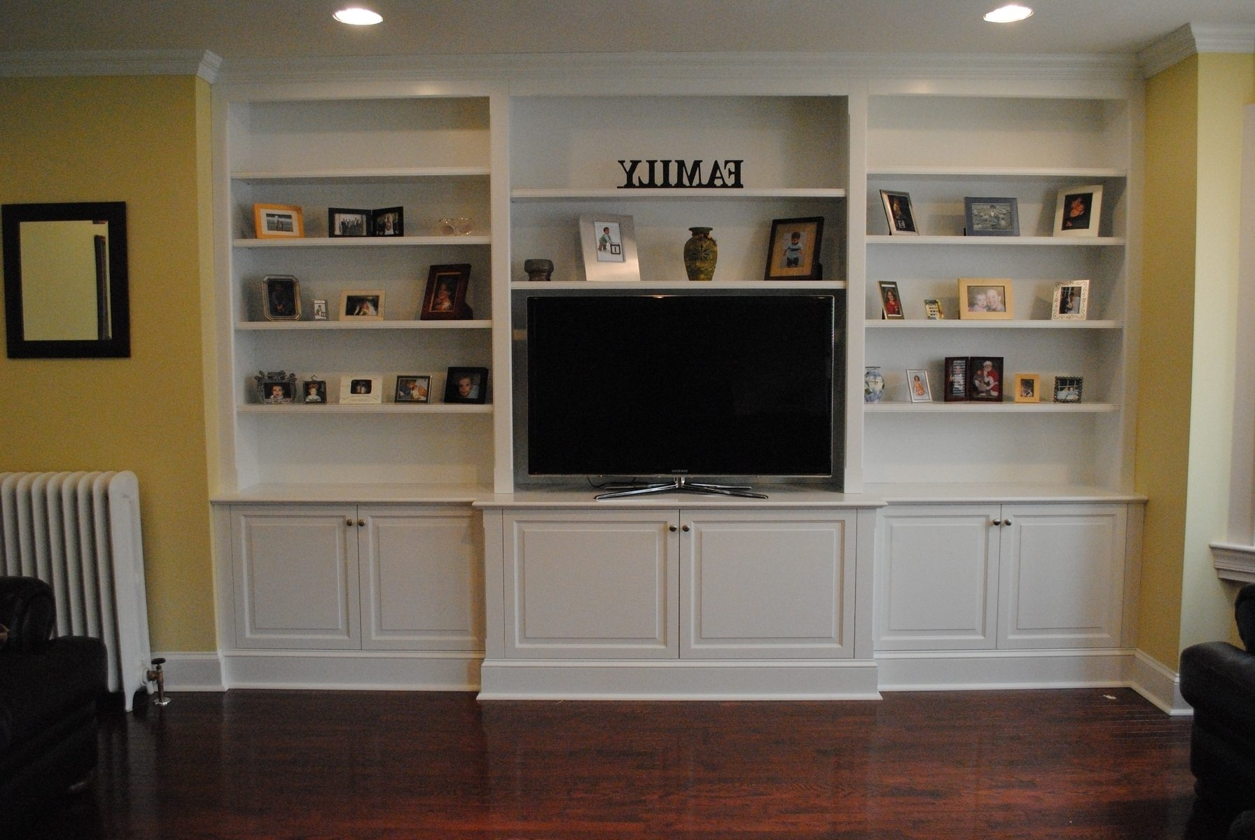 Built In Bookshelves With Tv American Hwy Within Built In Bookcases With Tv (#7 of 15)