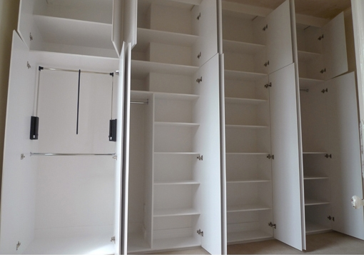 Built In Fitted Furniture In Space Saving Wardrobes (View 7 of 15)