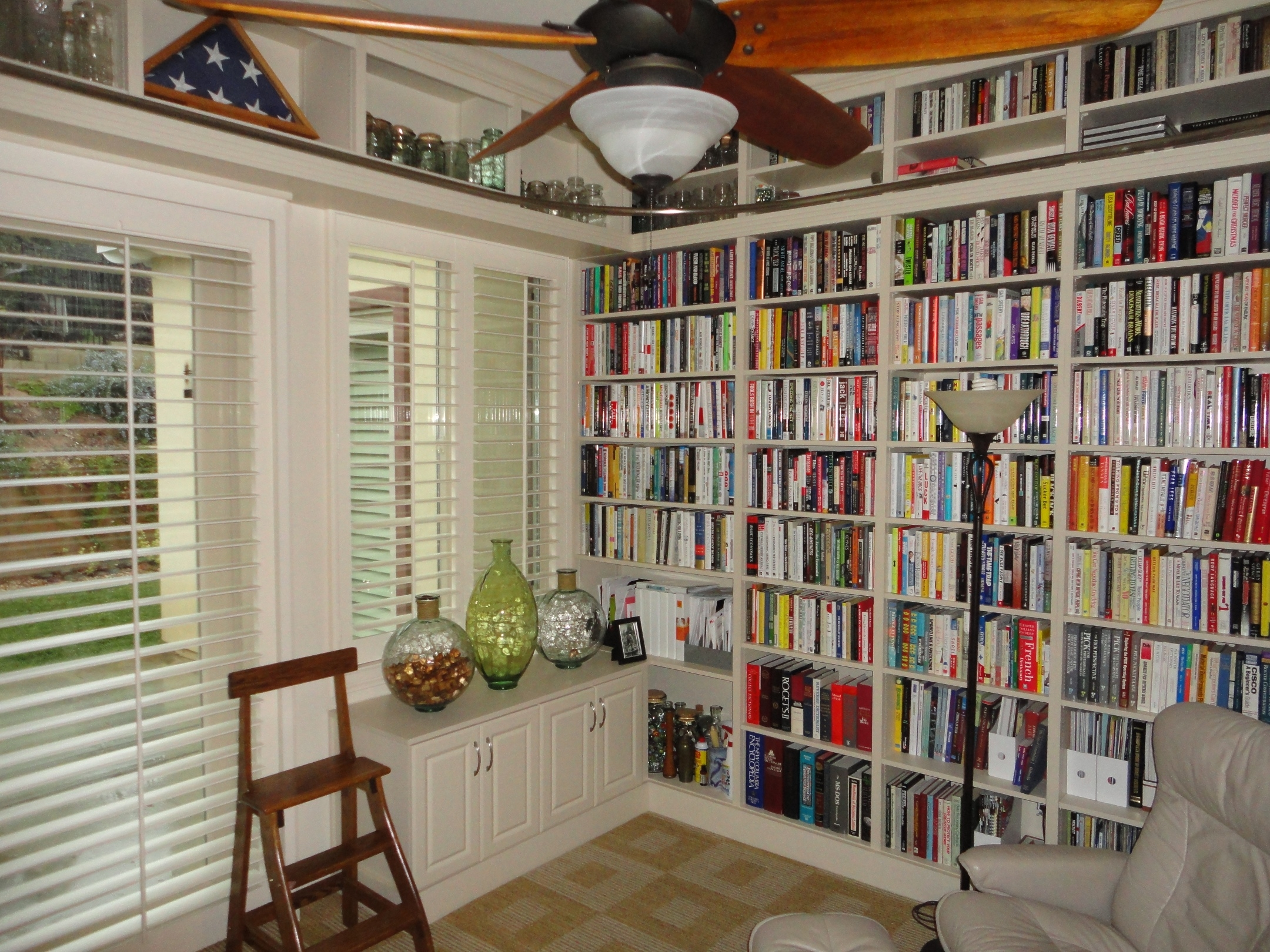 Collection Home Library Shelves Photos Home Remodeling Inspirations Throughout Home Library Shelving Systems (#2 of 15)