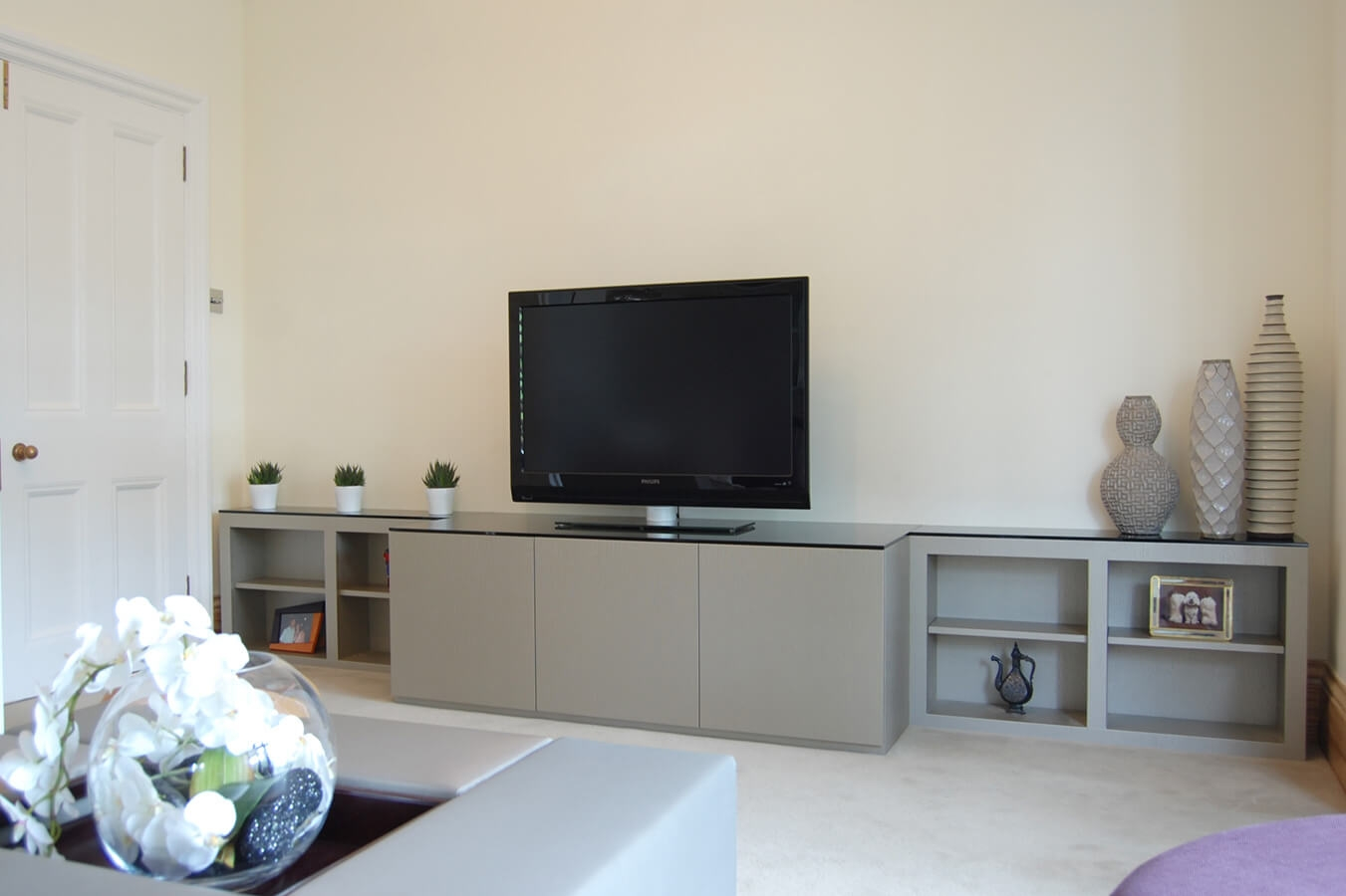 Custom Made Living Rooms Display Tv And Media Units For Bespoke Tv Units (#7 of 15)