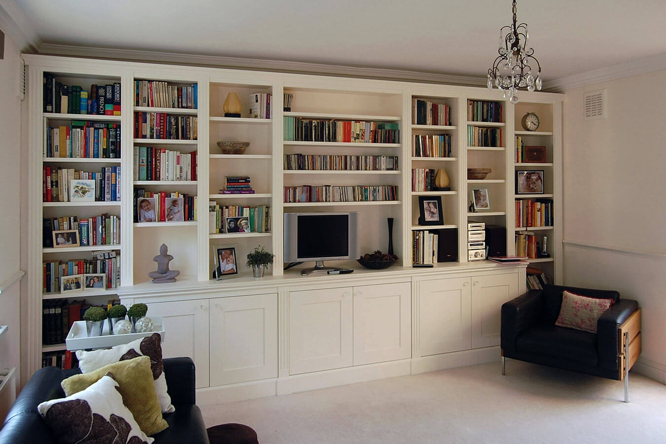Custom Made Living Rooms Display Tv And Media Units In Bespoke Bookshelves (#9 of 14)