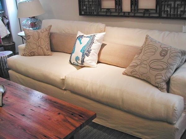 Popular Photo of Deep Cushioned Sofas