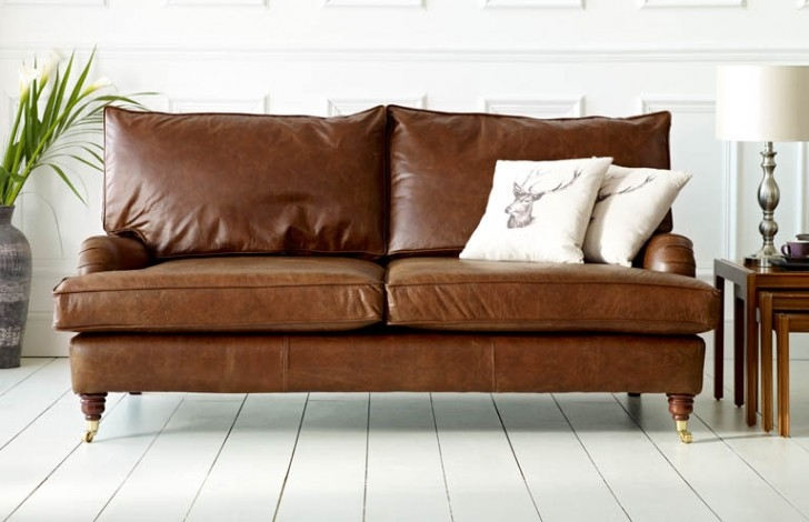 Downton Vintage Leather Sofa The Chesterfield Company Pertaining To Vintage Leather Sofa Beds (#5 of 15)