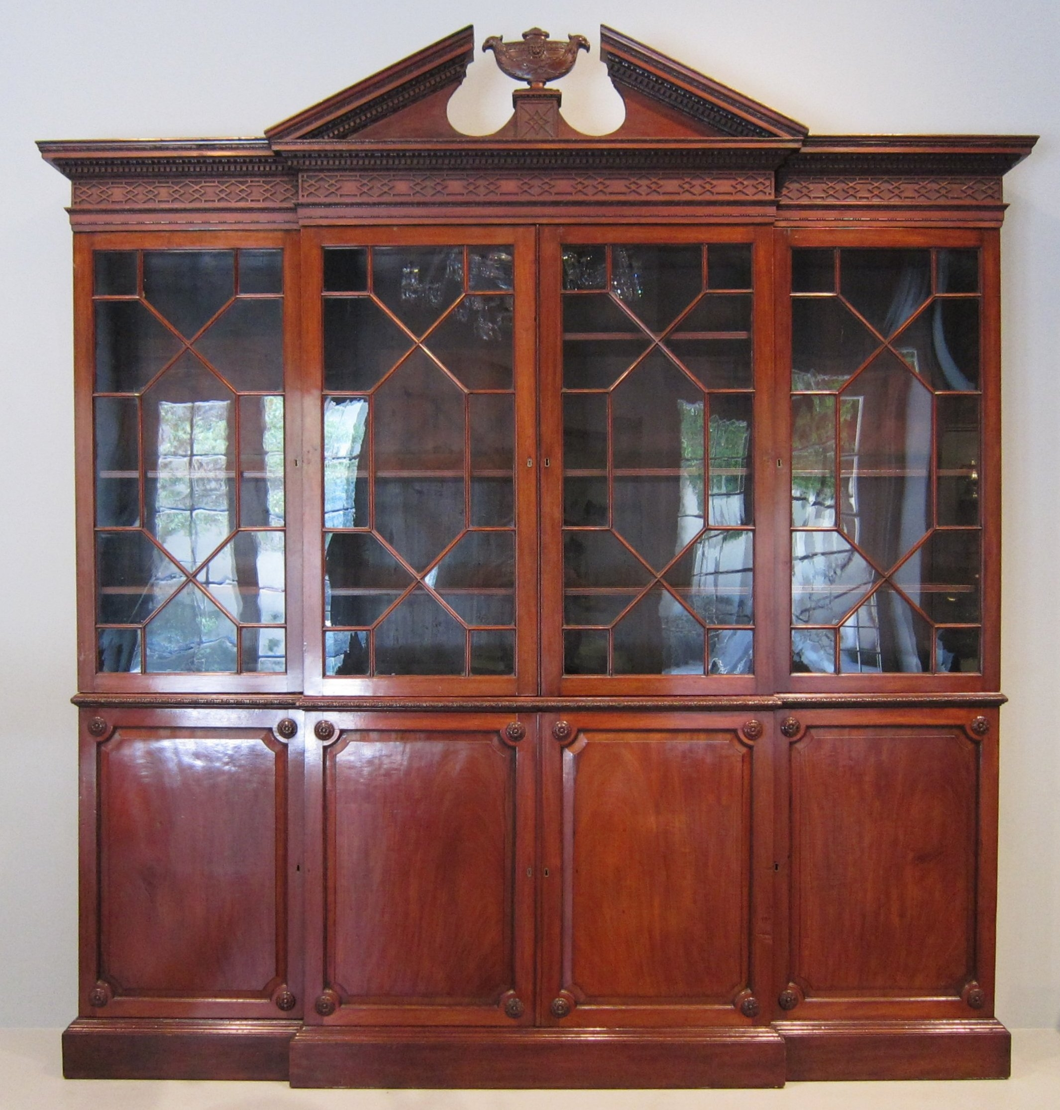 Filewla Haa Breakfront Bookcase After Thomas Chippendale With Regard To Break Front Bookcase (#8 of 15)