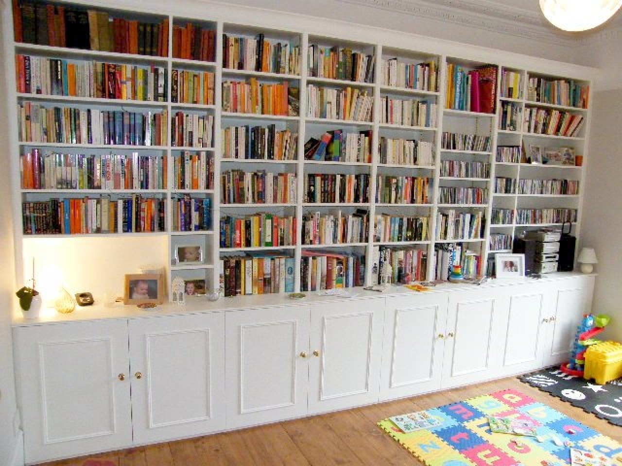 Full Wall Bookshelves Build Plans Cabinets Inside Bookcases 9