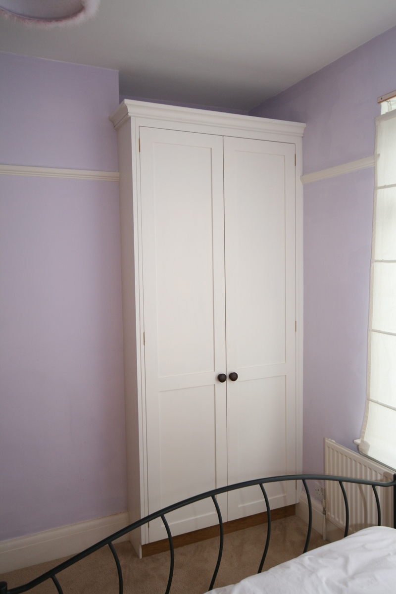 Hand Painted Bedroom Alcove Wardrobes Bath Regarding Alcove Wardrobes Designs (View 12 of 15)