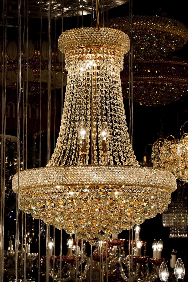 High End Chandeliers And Unique Crystal Chandeliers In Giant Chandeliers (#8 of 12)