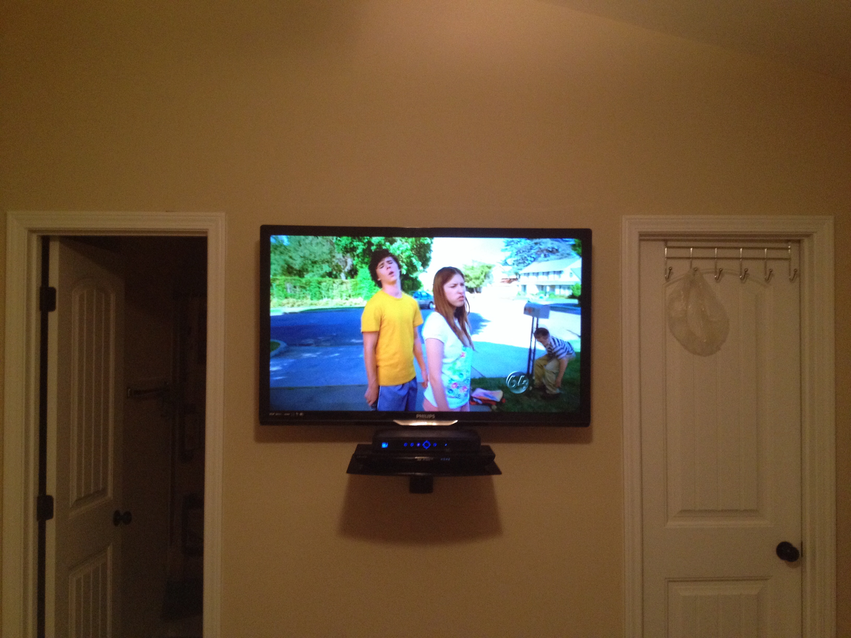 Led Tv Wall Mount Installation With Floating Glass Shelf For Cable Throughout Glass Shelf For Dvd Player (#8 of 12)