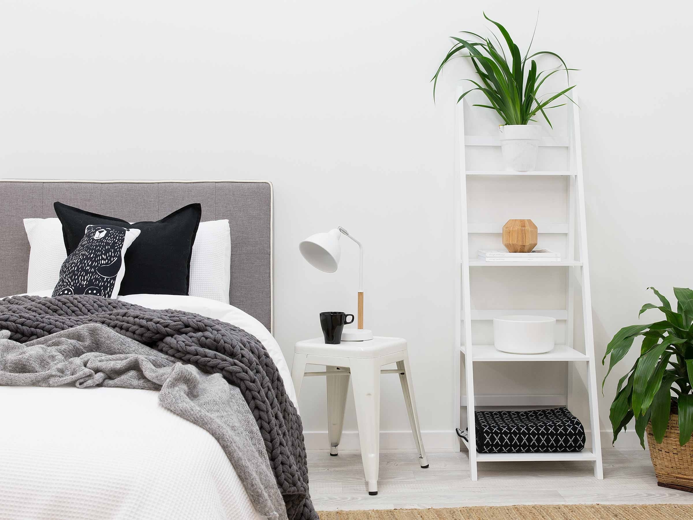 Modern White Ladder Shelf For Elegant Room Design Optimizing With White Ladder Shelf (View 10 of 15)