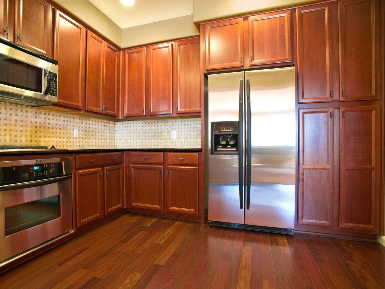 Oak Kitchen Cabinets Pictures Ideas Tips From Hgtv Hgtv Inside Oak Cupboards (#8 of 12)