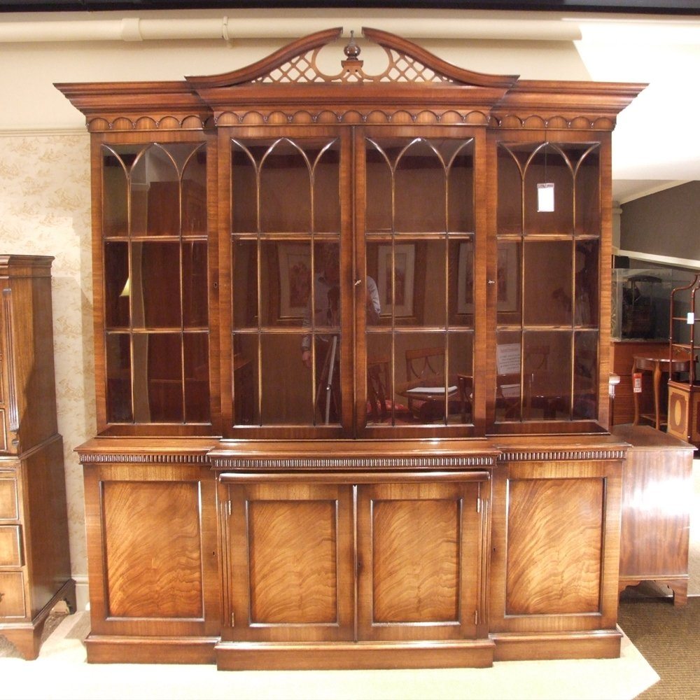 Preowned Large Mahogany Breakfront Bookcase Intended For Breakfront Bookcase (View 9 of 15)