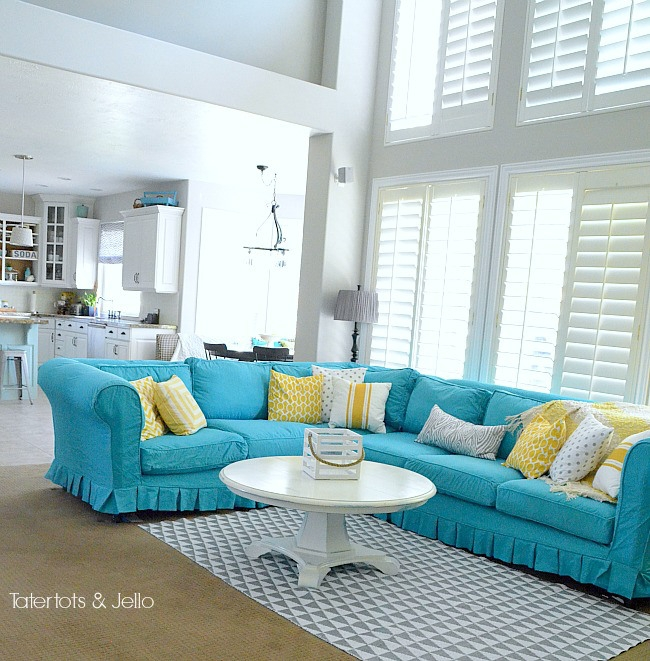 Remodelaholic 28 Ways To Bring New Life To An Old Sofa Inside Turquoise Sofa Covers (#10 of 15)