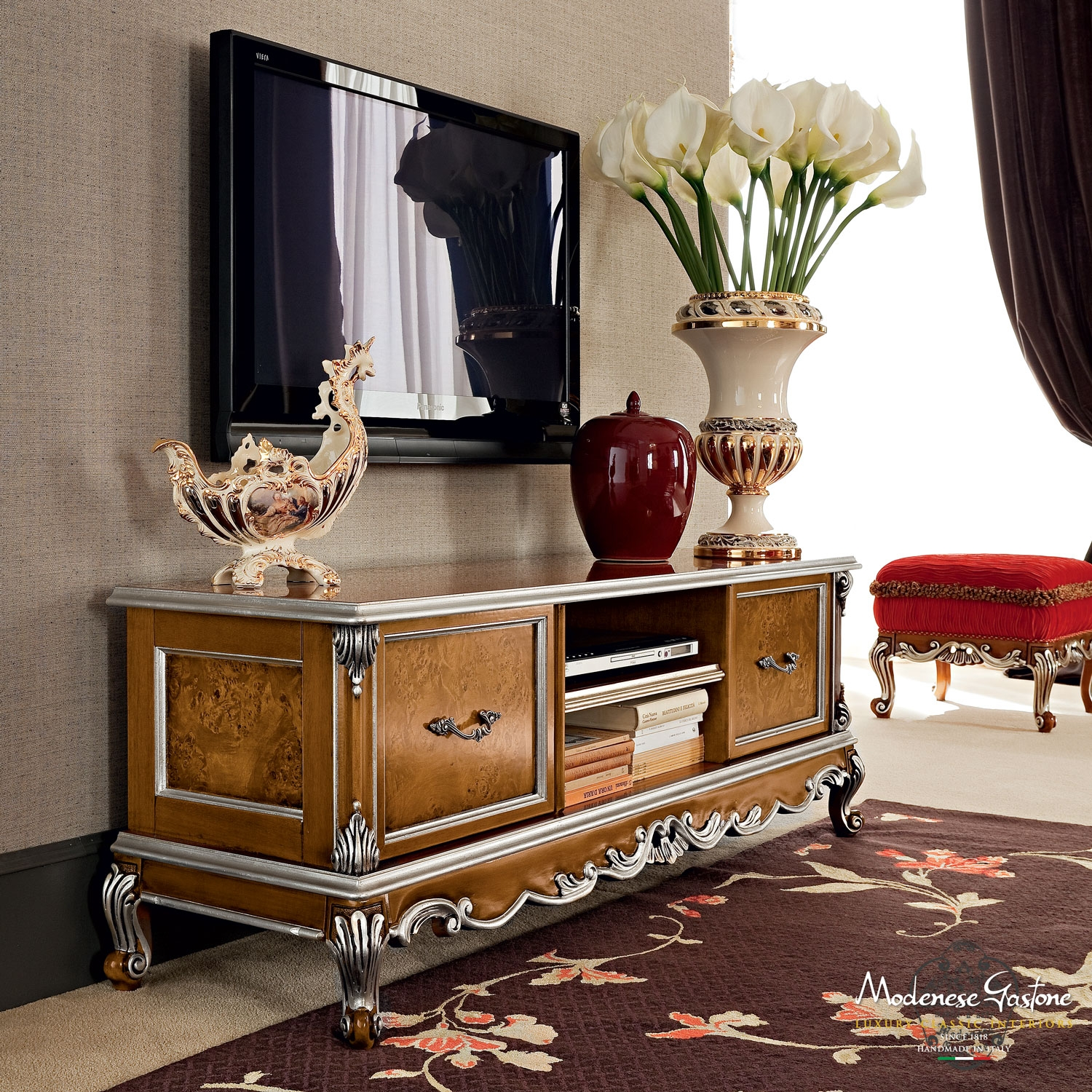 Royal Bedroom With Prive Bedroom Casanova Modenese Gastone Pertaining To Bespoke Tv Stands (View 13 of 15)