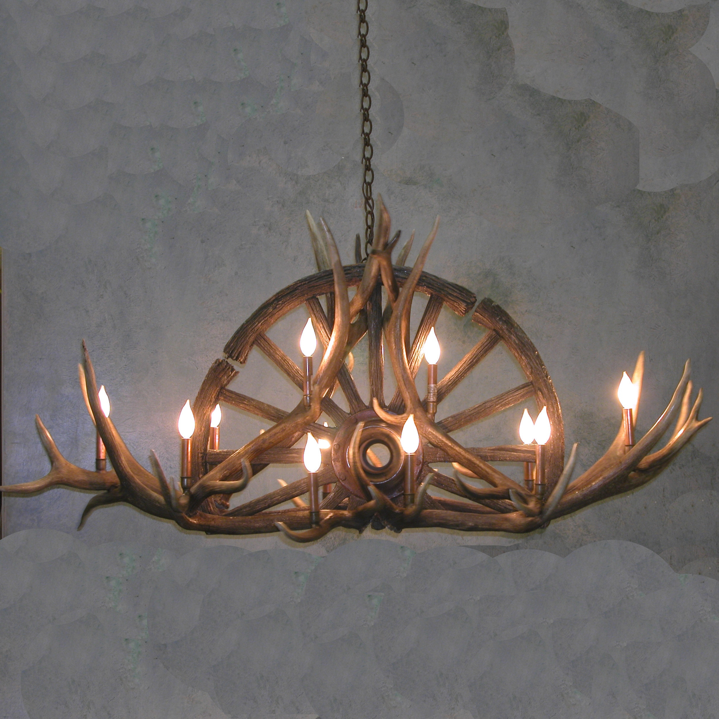 Sundial Wagon Wheel Antler Chandelier With Antler Chandelier (#6 of 12)