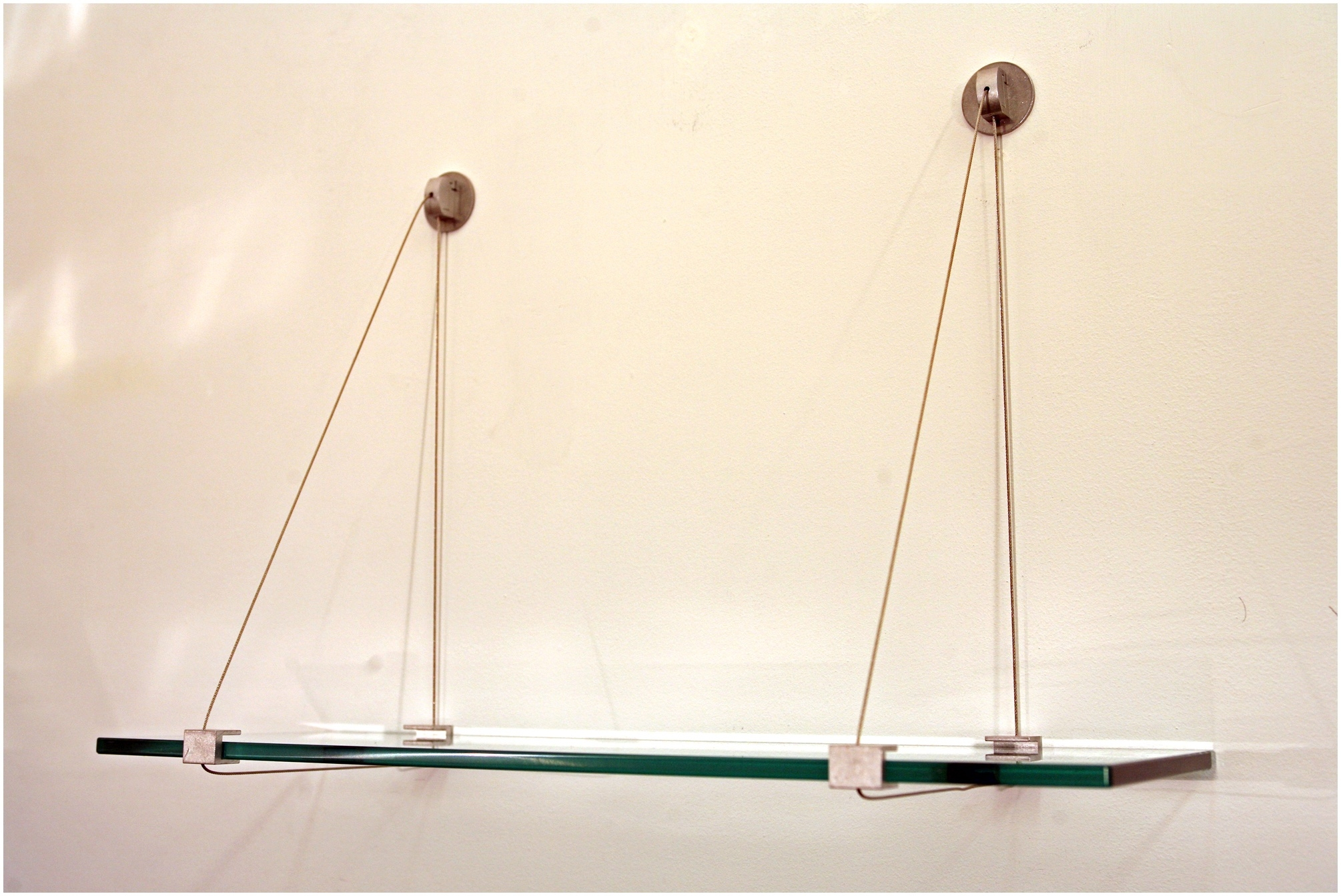 Suspended Glass Shelf Glass Cable Shelving Supporting Bread Inside Glass Shelf Cable Suspension System (#11 of 15)