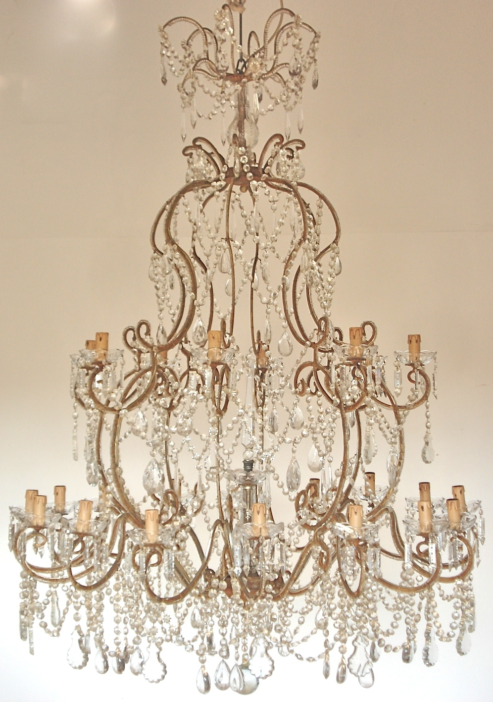 The Italian Chandelier In Italian Chandeliers (#10 of 12)