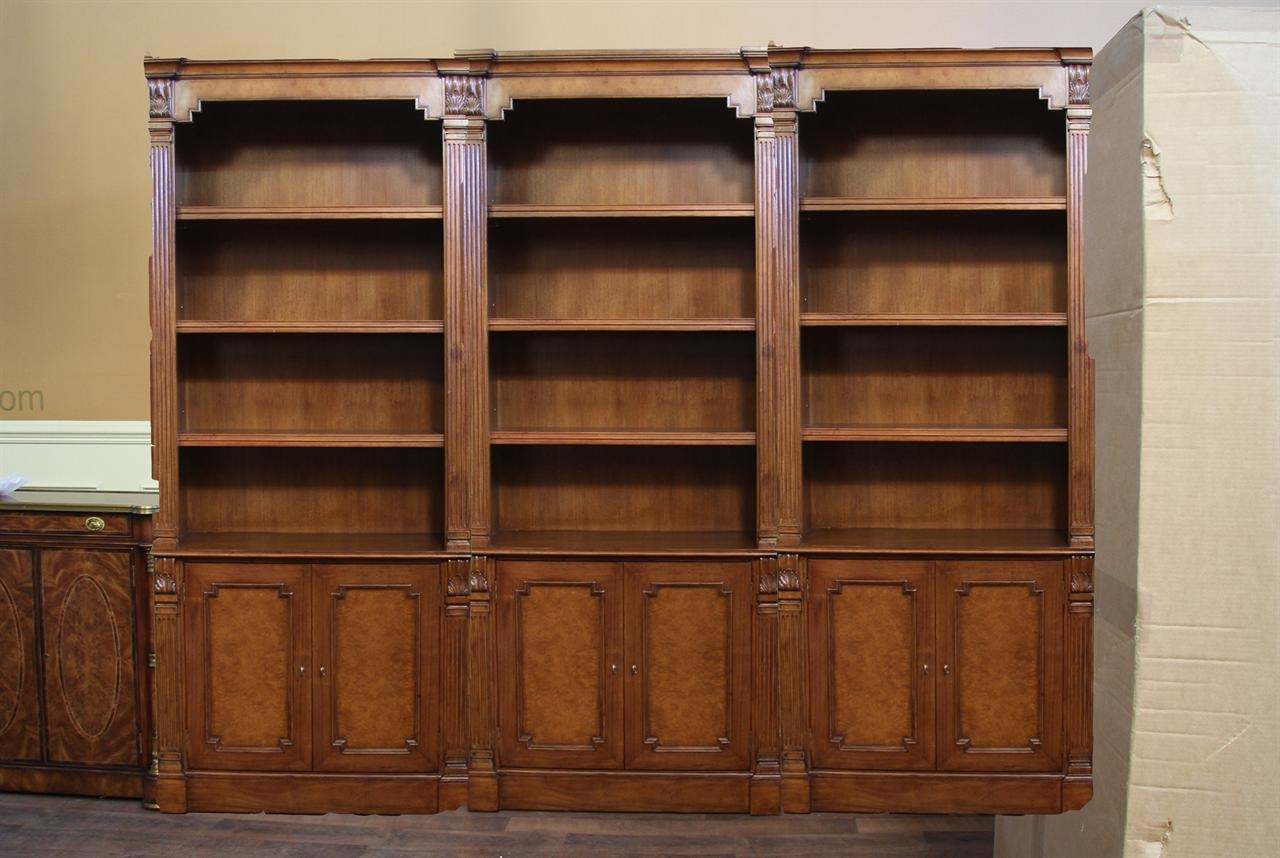 Popular Photo of Traditional Bookcase