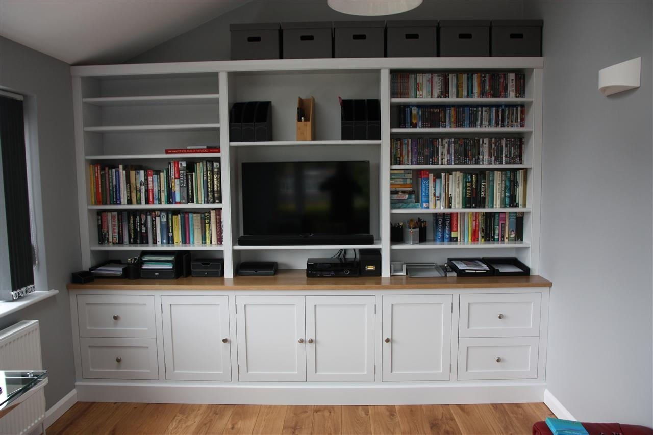 Tv And Family Room Regarding Bookcase Tv Unit (View 12 of 15)