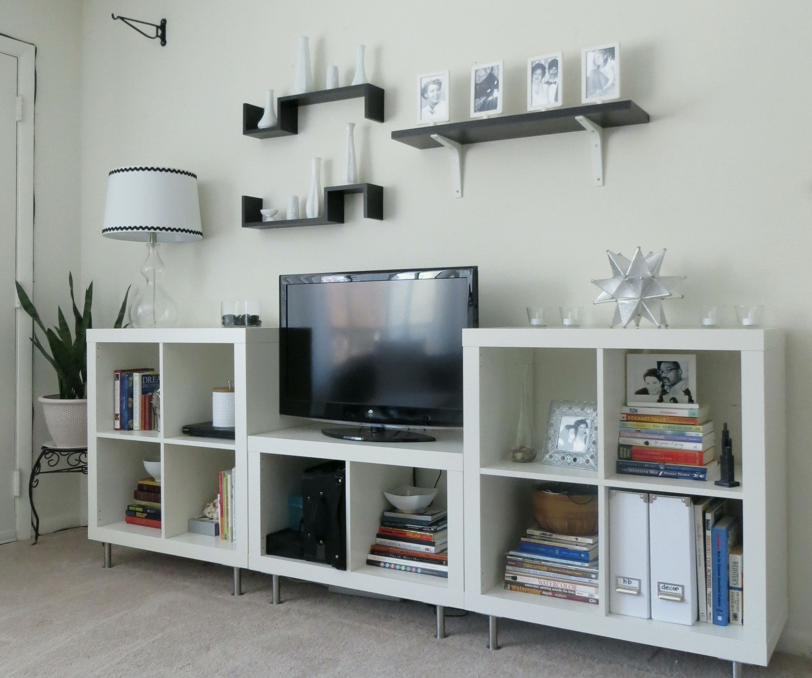 Tv Stands 10 Great Design Entertainment Centers With Bookshelves Inside Tv And Bookshelf (#11 of 15)