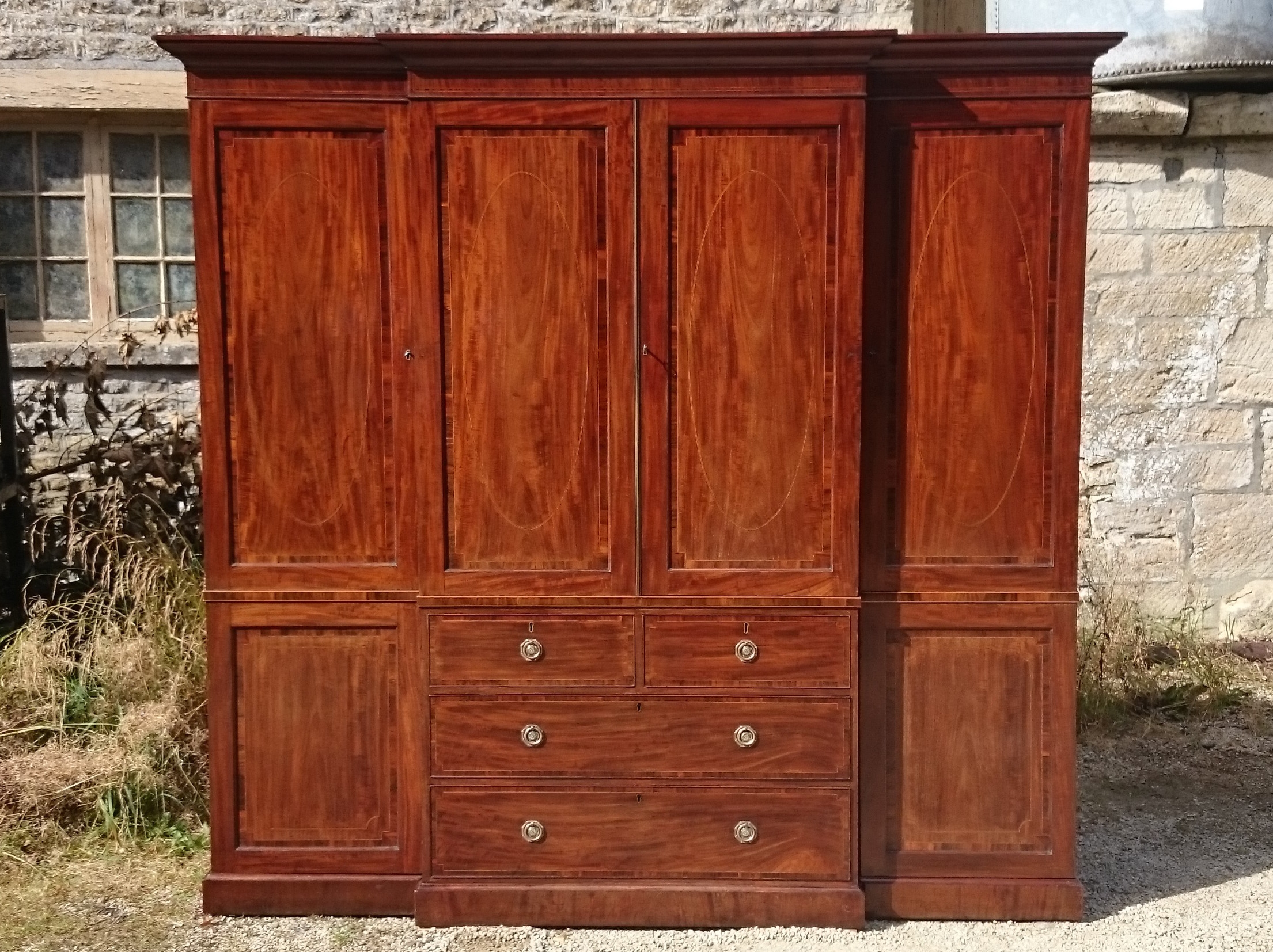 Very Fine 18th Century Breakfront Wardrobe Linen Press C 1790 With Breakfront Wardrobe (View 8 of 15)