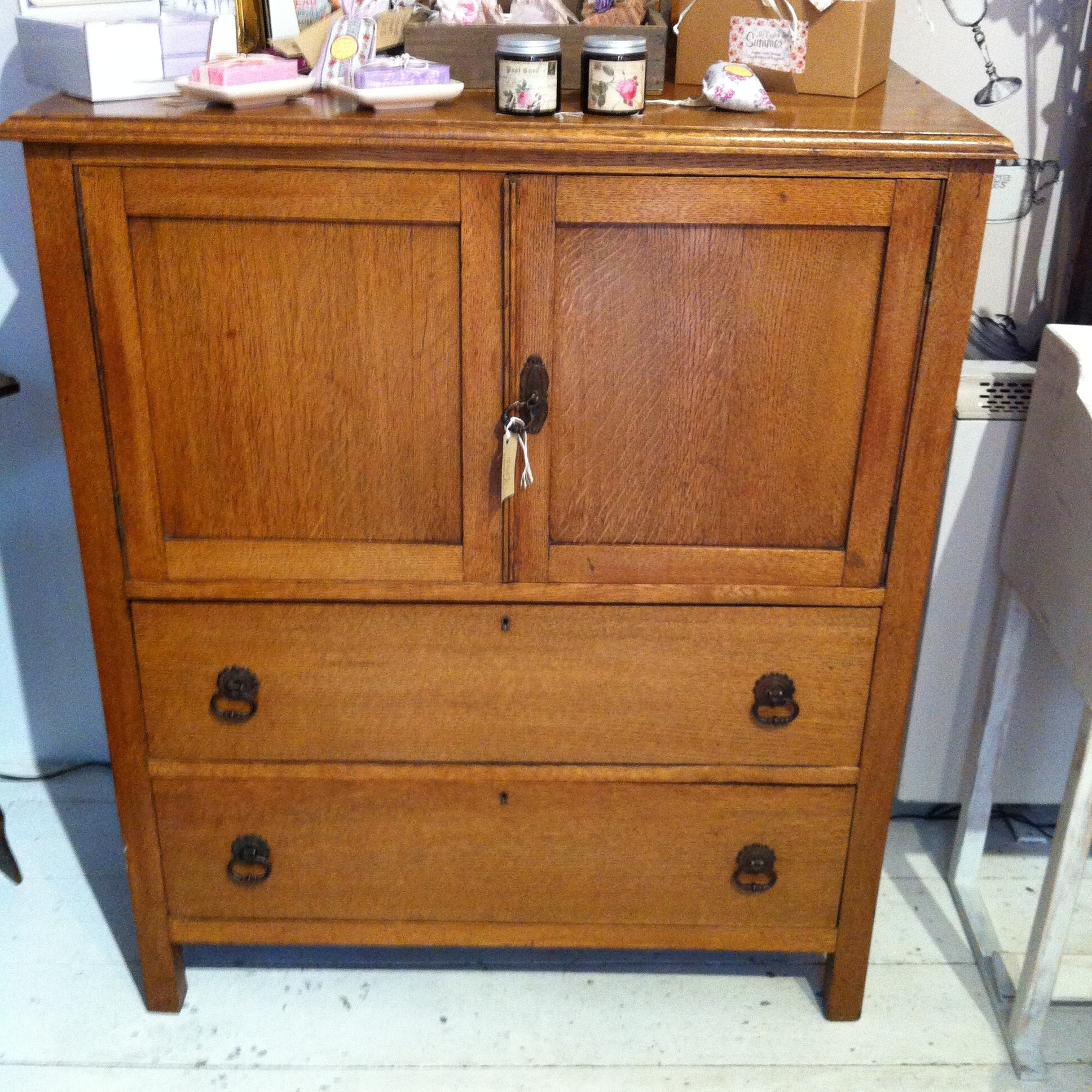 Popular Photo of Oak Linen Cupboard