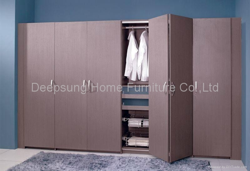 Wardrobe With Folding Door W 12 Deepsung Home Furniture Co In Folding Door Wardrobes (#15 of 15)