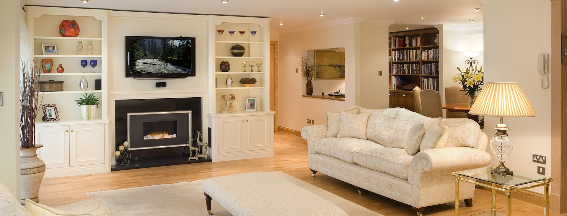 Popular Photo of Bespoke Built In Furniture