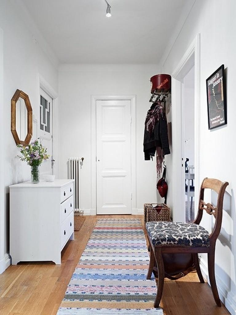 12 Modern Hallway Runner Rug Designs Rilane With Regard To Modern Hallway Runners (#1 of 20)
