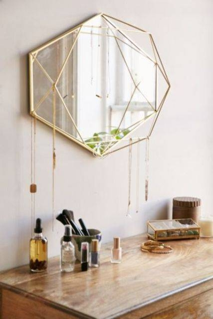 26 Unique Modern Mirrors That Completely Change The Space – Digsdigs With Unique Mirrors (#5 of 20)