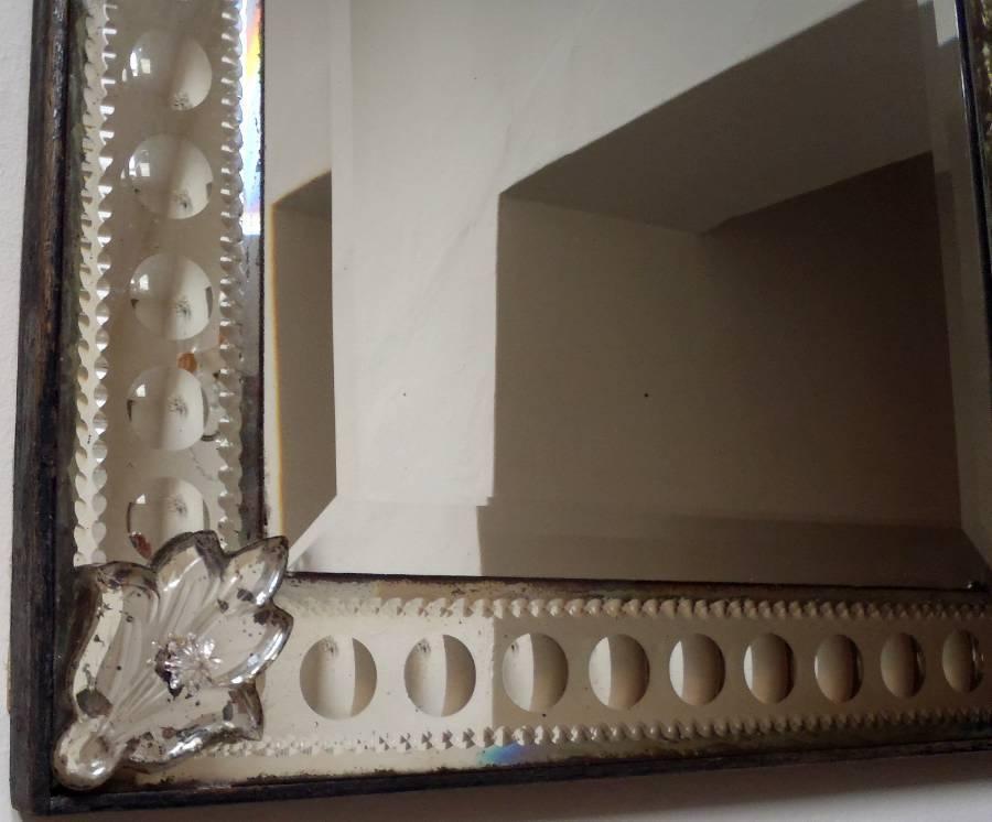Antique Rectangular Venetian Mirror With Bubble Design Frame In With Venetian Bubble Mirrors (#18 of 30)