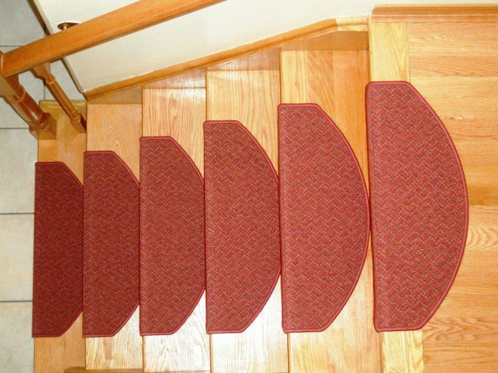 Applying Carpet Stair Treads To Increase The Beauty House With Premium Carpet Stair Treads (#6 of 20)