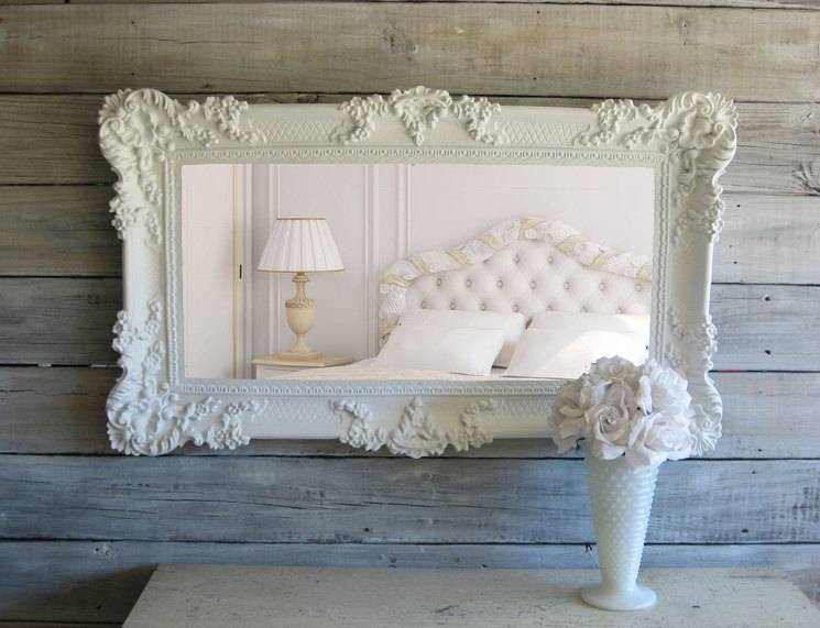 C H I C Shabby White Mirror Cottage Chic Beach Cottage With White Shabby Chic Mirrors (View 10 of 30)