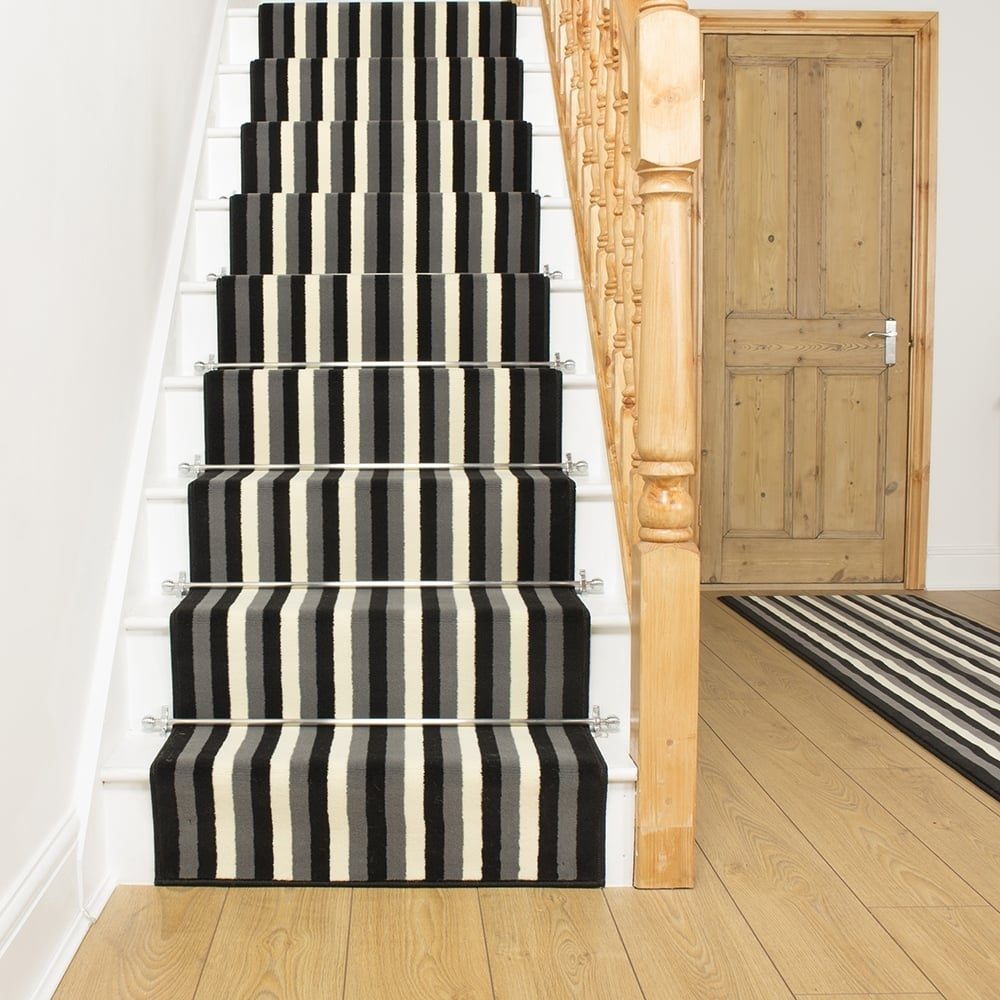 Carpet Runner Stairs In Stair And Hallway Runners (#12 of 20)