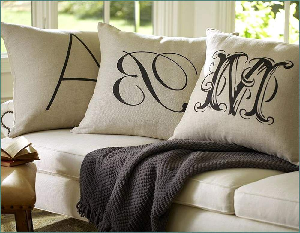 Choosing The Best Oversized Pillows Great Home Decor In Oversized Sofa Pillows (#4 of 15)