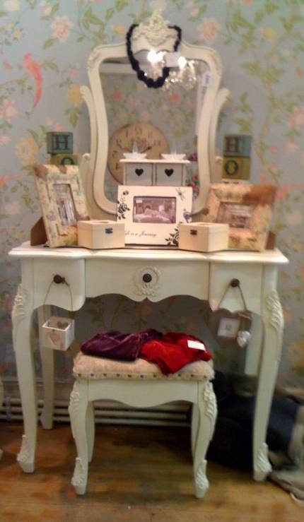 Cream French Style Dressing Table Mirror And Stool – Peter Andre S With Regard To French Style Dressing Table Mirrors (#7 of 20)