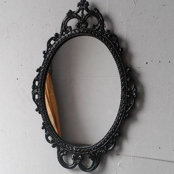 Distressed Mirror In Rusty Oval Frame, 14 From Secret Window For Black Oval Mirrors (#20 of 30)