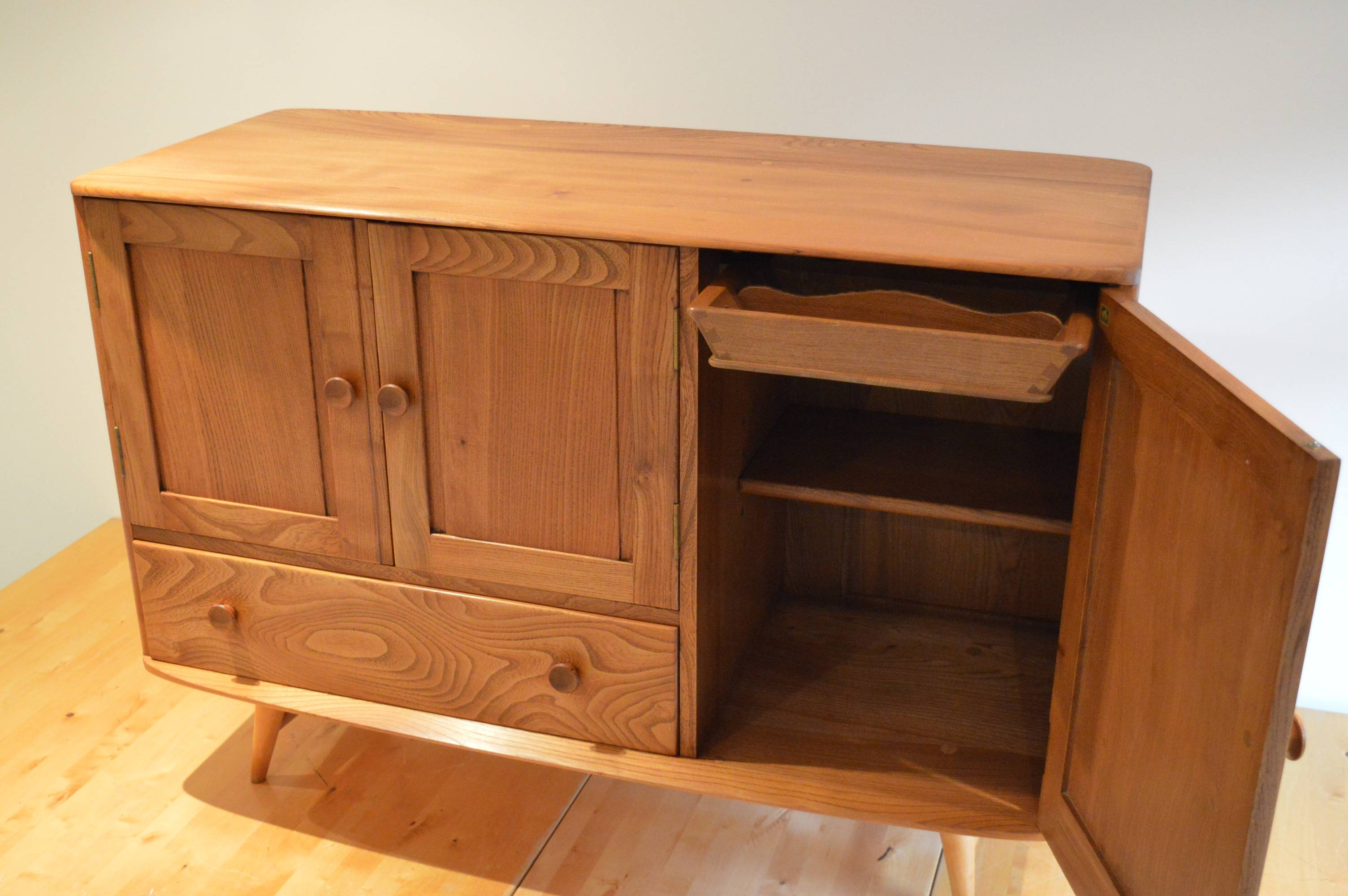 Elegant Vintage Ercol 366 Elm & Beech Sideboard From 1950S – The Inside Beech Sideboards (#10 of 20)