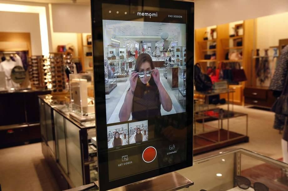 Fitting Rooms' New Style: Magic Mirrors, Digital Outfits – San Inside Shopping Mirrors (#12 of 30)