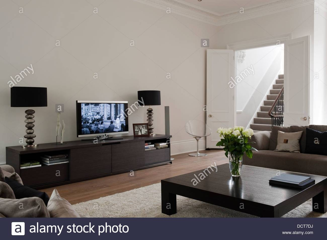 Flat Screen And Matching Lamps On Sideboard In Living Room Of With Regard To Sideboard Lamps (#7 of 20)