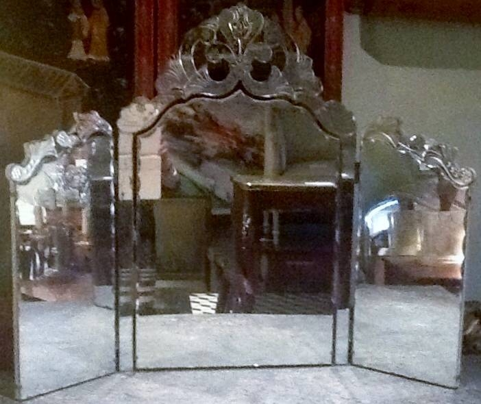 French Decorative Furniture Uk – English Decorative Furniture In Venetian Dressing Table Mirrors (#12 of 30)